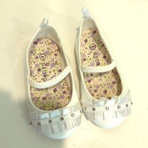 White Size 4 Baby Girl shoes